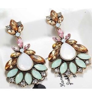NEW! Gorgeous Statement Drop Earrings